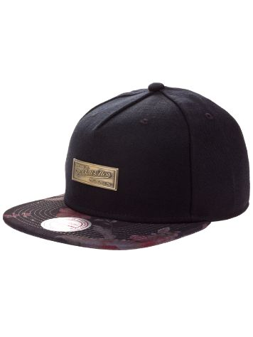 Mitchell & Ness Metal Badge Snapback Cap